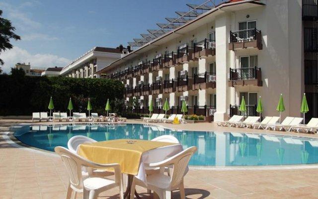 Отель Ege Montana бассейн