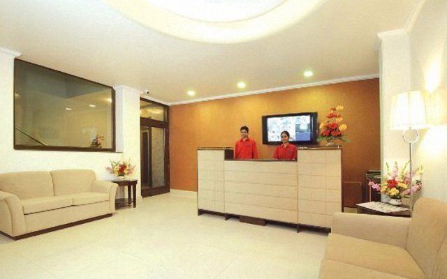 Отель Clarks Inn Kailash Colony Индия, Нью-Дели - отзывы, цены и фото номеров - забронировать отель Clarks Inn Kailash Colony онлайн интерьер отеля