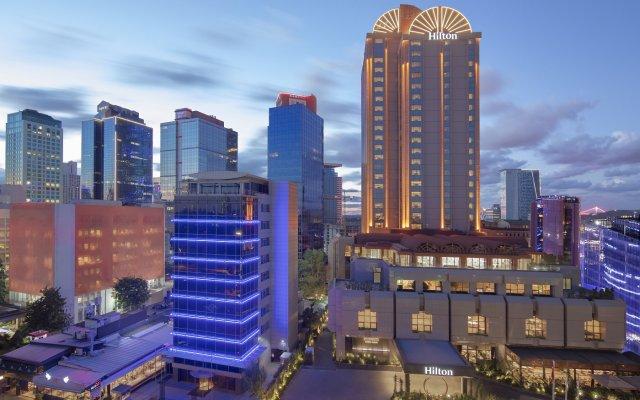 Отель Hilton Istanbul Maslak вид на фасад