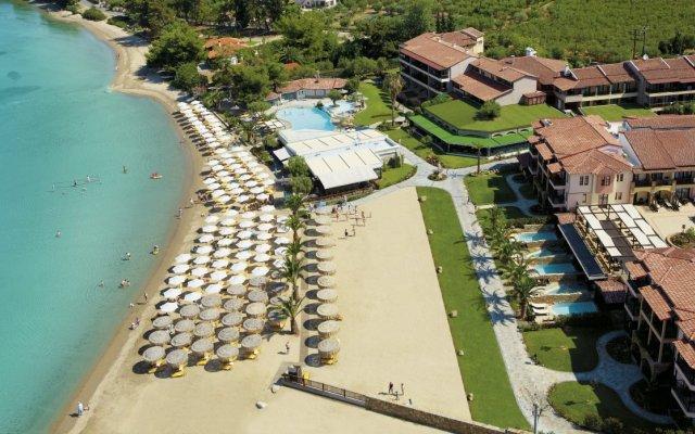 Отель Anthemus Sea Beach Hotel & Spa Греция, Ситония - 2 отзыва об отеле, цены и фото номеров - забронировать отель Anthemus Sea Beach Hotel & Spa онлайн бассейн