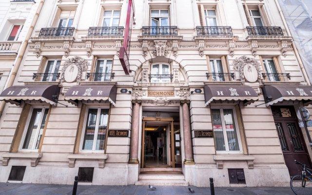 Отель Richmond Opera Париж вид на фасад