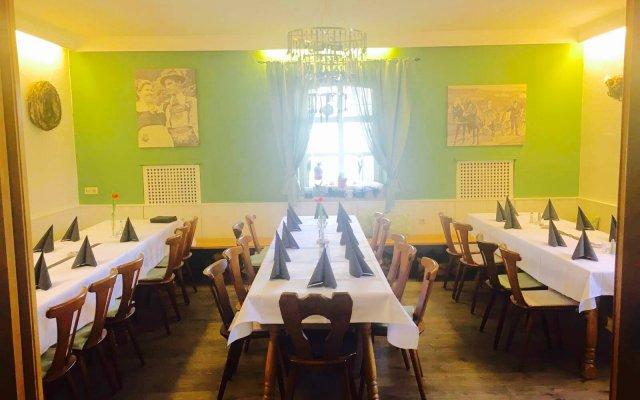 Hotel Gasthof Grüner Hof in Freising, Germany from 141 ...