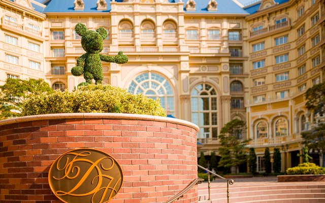 Tokyo Disneyland Hotel вид на фасад
