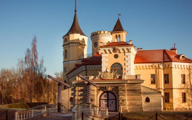 Гостиница Замок БИП вид на фасад