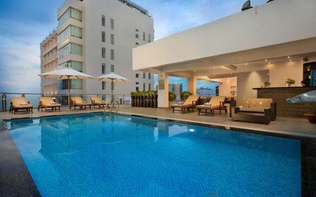 Отель LEGENDSEA Нячанг бассейн