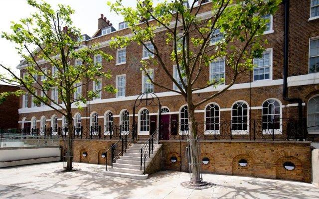 Отель Safestay London Elephant & Castle - Hostel Великобритания, Лондон - 2 отзыва об отеле, цены и фото номеров - забронировать отель Safestay London Elephant & Castle - Hostel онлайн вид на фасад