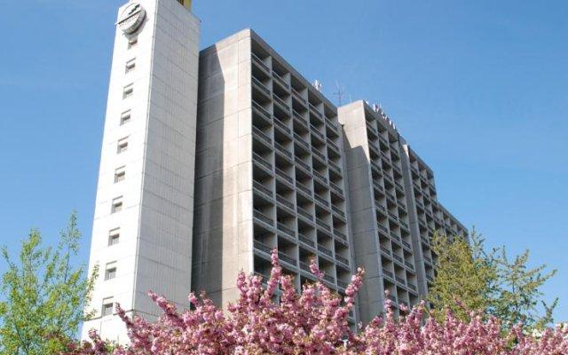 Intourist-Zakarpattya Hotel вид на фасад