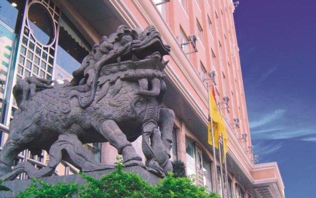 New Tianhe Hotel вид на фасад
