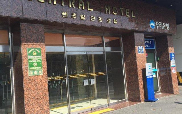 Central Tourist Hotel вид на фасад