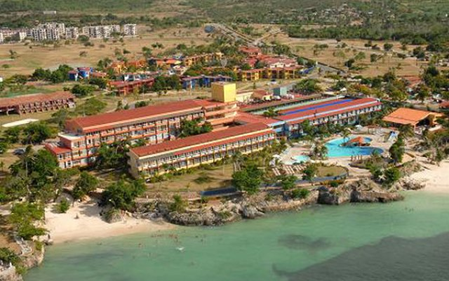 Отель Club Amigo Atlantico Guardalavaca All Inclusive пляж