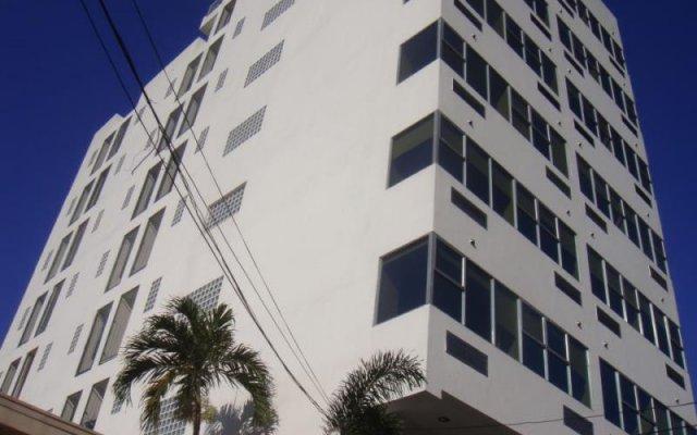 OYO 242 Benson Apartelle