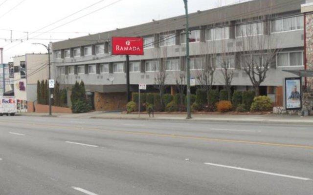 Отель Ramada Vancouver Exhibition Park Канада, Ванкувер - отзывы, цены и фото номеров - забронировать отель Ramada Vancouver Exhibition Park онлайн парковка