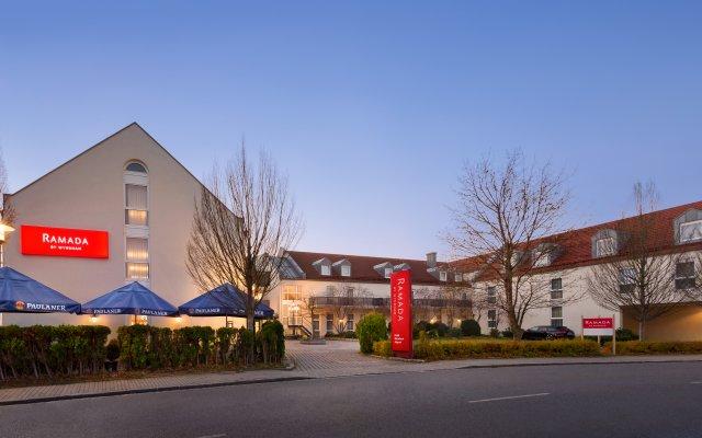 Отель Ramada by Wyndham München Airport Германия, Мюнхен - отзывы, цены и фото номеров - забронировать отель Ramada by Wyndham München Airport онлайн вид на фасад