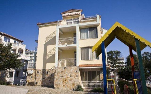 Отель Family Hotel Casa Brava Болгария, Солнечный берег - отзывы, цены и фото номеров - забронировать отель Family Hotel Casa Brava онлайн вид на фасад