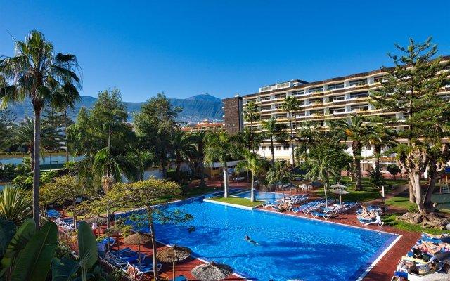 Отель Blue Sea Puerto Resort Испания, Пуэрто-де-ла-Круc - отзывы, цены и фото номеров - забронировать отель Blue Sea Puerto Resort онлайн бассейн