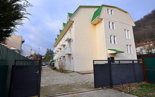 Гостиница Vek Guest House в Ольгинке отзывы, цены и фото номеров - забронировать гостиницу Vek Guest House онлайн Ольгинка вид на фасад