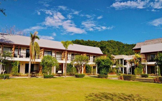 Отель Twin Lotus Resort and Spa - Adults Only Ланта