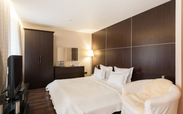 Гостиница Гранд Авеню комната для гостей