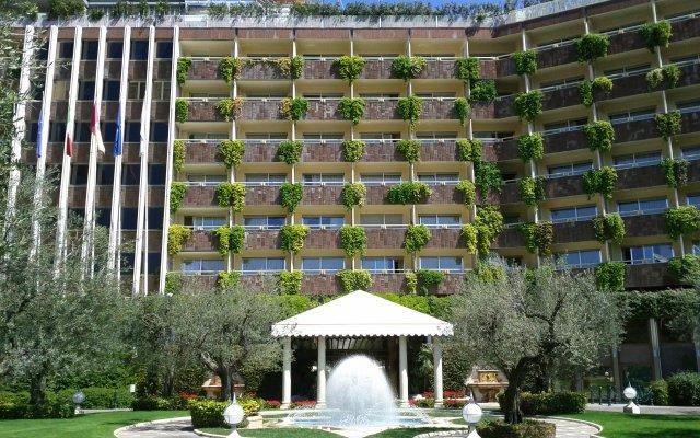Отель Rome Cavalieri, A Waldorf Astoria Resort
