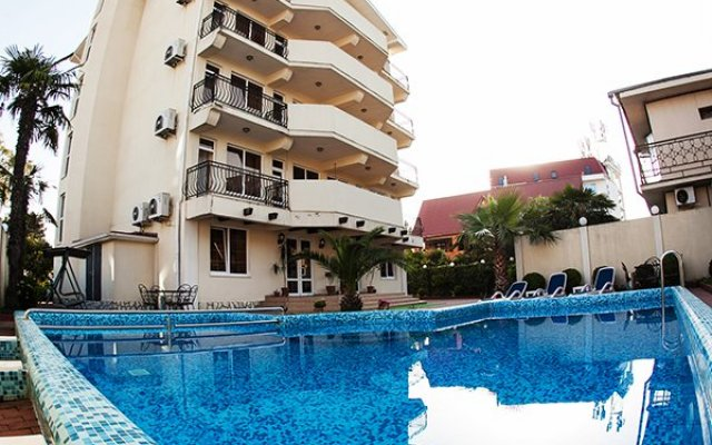 Гостиница «Вилла Риф» бассейн
