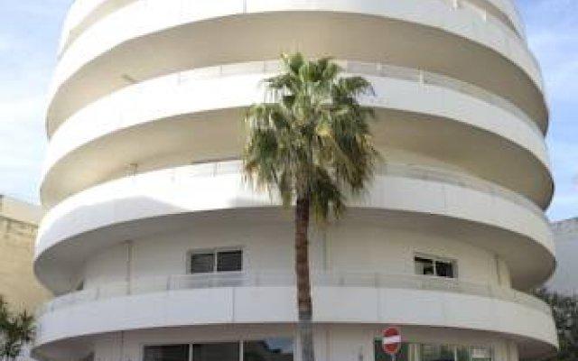 Отель Oriana at the Topaz Hotel Мальта, Буджибба - отзывы, цены и фото номеров - забронировать отель Oriana at the Topaz Hotel онлайн вид на фасад