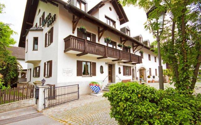 Hotel Frey Исманинг вид на фасад