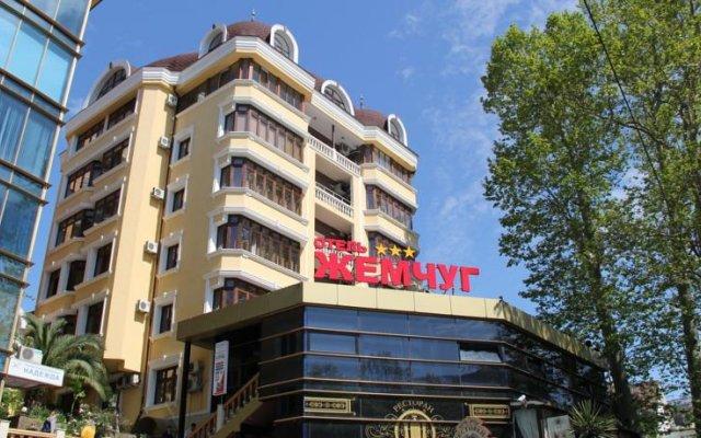 Гостиница «Жемчуг» в Сочи отзывы, цены и фото номеров - забронировать гостиницу «Жемчуг» онлайн вид на фасад