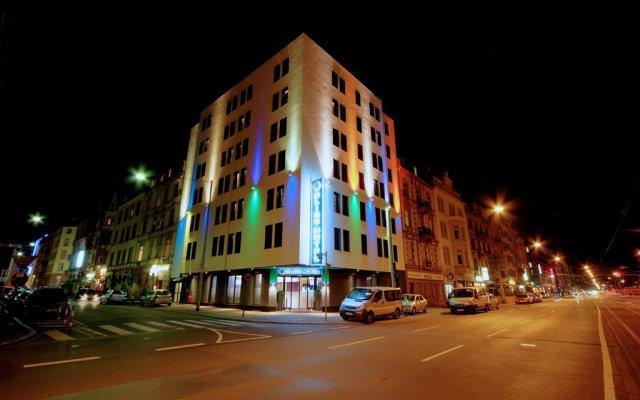 Hotel Bliss вид на фасад