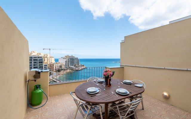 Отель Spinola Bay Penthouse Мальта, Сан Джулианс - отзывы, цены и фото номеров - забронировать отель Spinola Bay Penthouse онлайн балкон