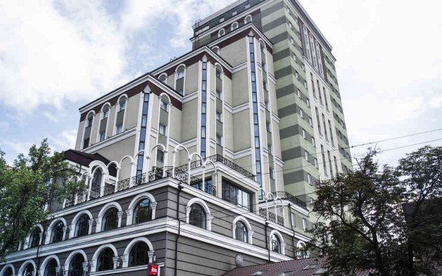 Отель Ibis Kiev City Center Киев вид на фасад