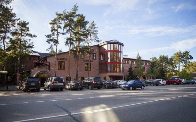 Гостиница Карина парковка