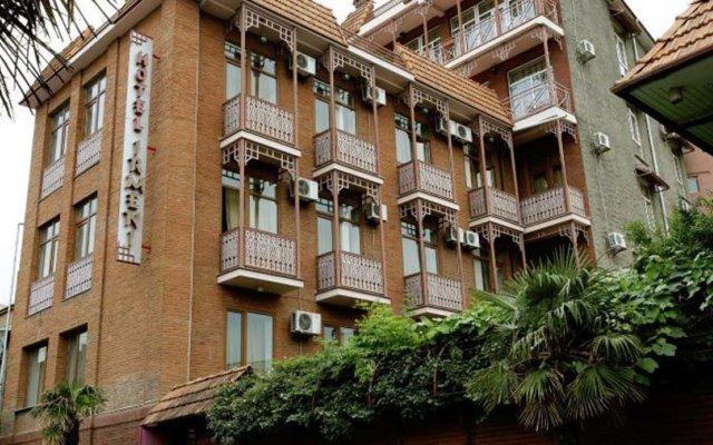 Отель Irmeni вид на фасад