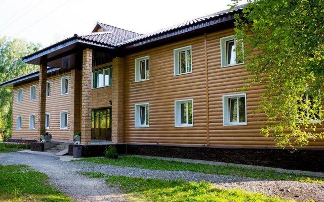 Гостиница Berezka Aya в Ае отзывы, цены и фото номеров - забронировать гостиницу Berezka Aya онлайн Ая вид на фасад