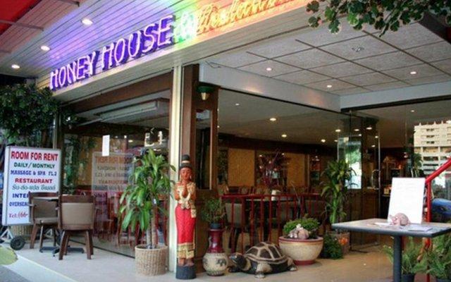Отель Honey House 2 Бангкок гостиничный бар