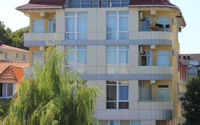 Гостиница Paluba Guest House вид на фасад
