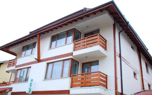 Отель Guest House Ela Банско вид на фасад