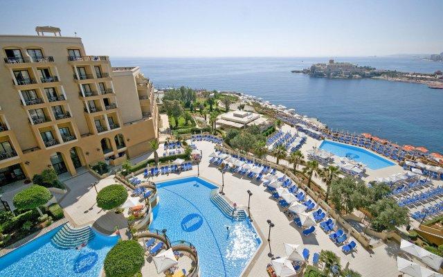 Marina Hotel Corinthia Beach Resort бассейн