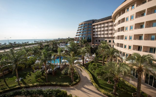 Отель Long Beach Resort & Spa Deluxe - Ultra All Inclusive пляж