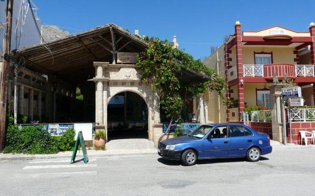 Отель Stegna Star Греция, Пляж Стегна - отзывы, цены и фото номеров - забронировать отель Stegna Star онлайн парковка