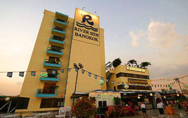 Отель River Side Бангкок вид на фасад