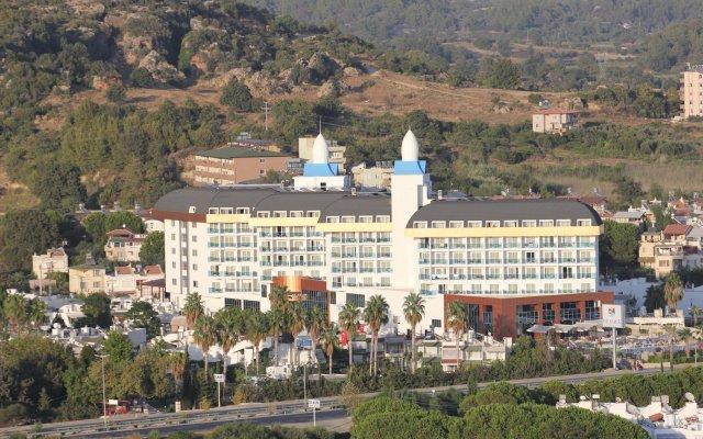 Отель Throne Beach Resort & SPA Титреенгёль вид на фасад
