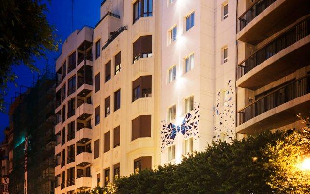 Отель One Shot Colon 46 Валенсия вид на фасад