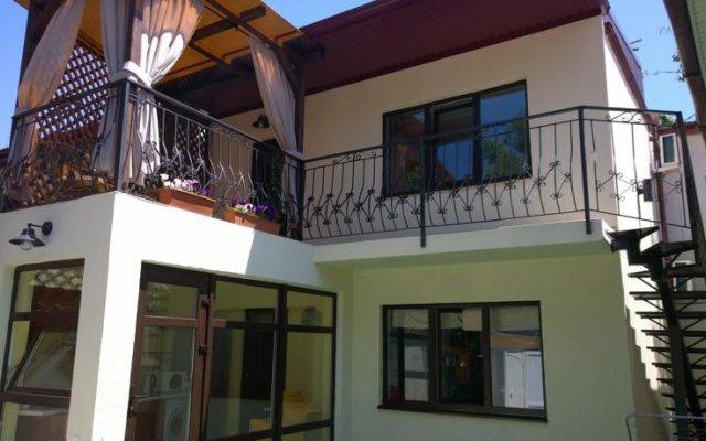 Гостиница Guest House at Polevaya Ulitsa вид на фасад