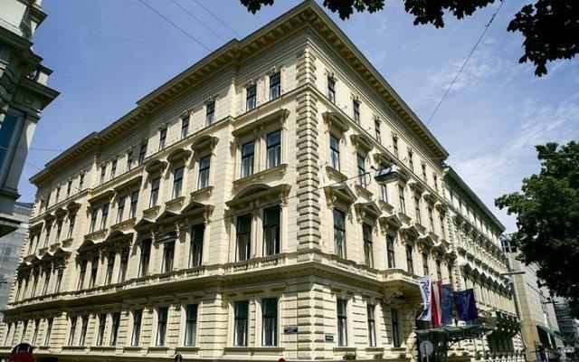 Radisson Blu Palais Hotel, Vienna Вена вид на фасад