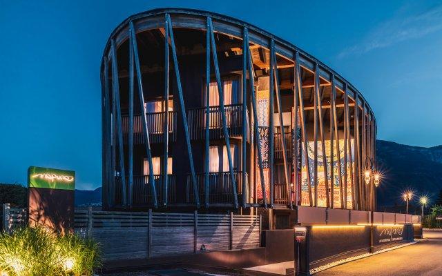 Art & Design Hotel Napura Терлано вид на фасад