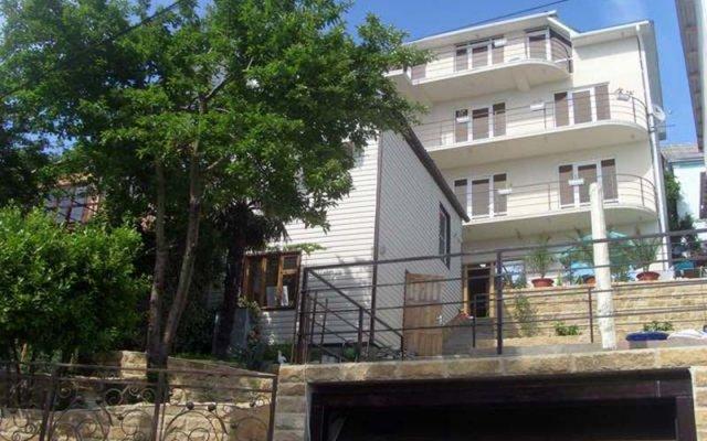 Гостиница Mirnaya Guest House в Сочи отзывы, цены и фото номеров - забронировать гостиницу Mirnaya Guest House онлайн вид на фасад
