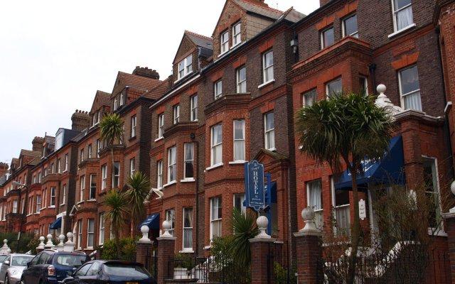 Отель LANGORF Лондон вид на фасад