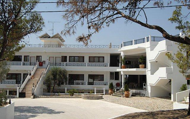 Отель Helena Christina вид на фасад