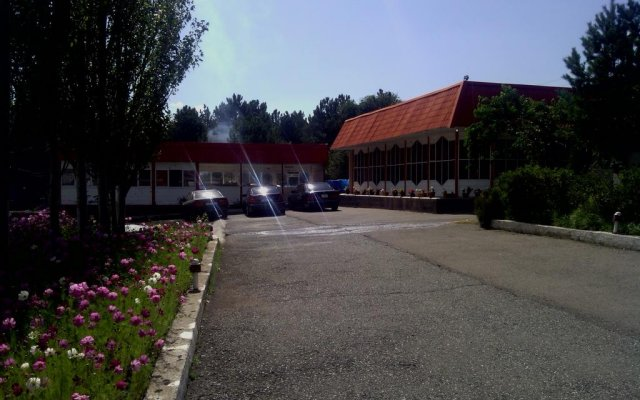 Nirvana Hotel парковка