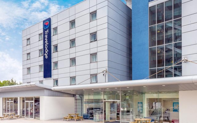Отель Travelodge London Docklands вид на фасад
